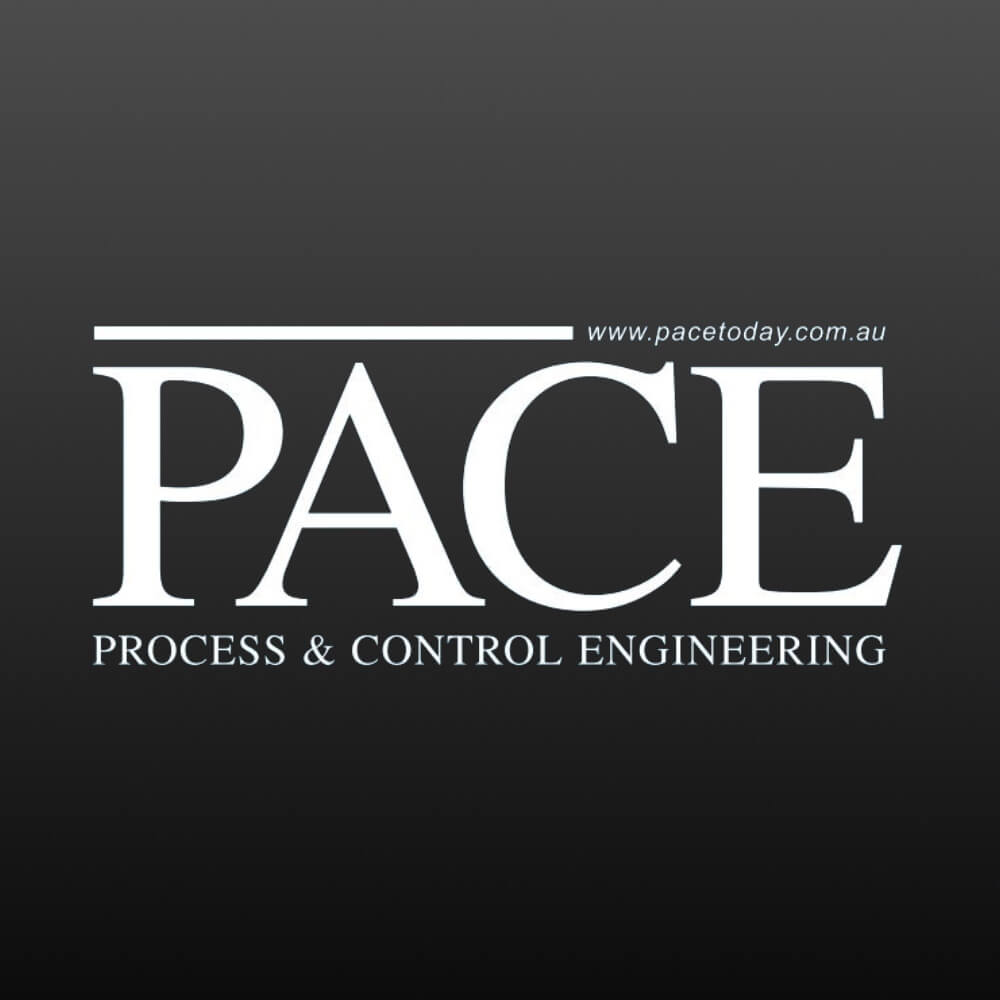 Anthony Kittel (l) from REDARC with Syed Shah, editor of Manufacturers' Monthly.